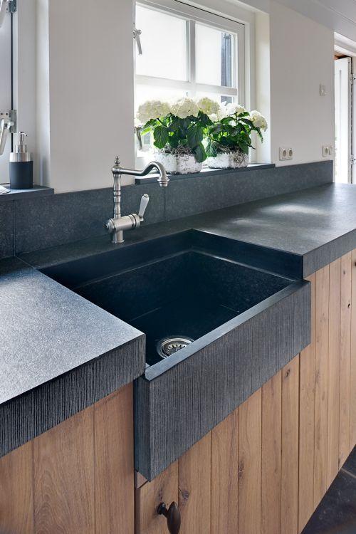 Vri interieur landelijke keuken modern eiken met houten laden en composiet stenen spoelbak for Deco moderne keuken