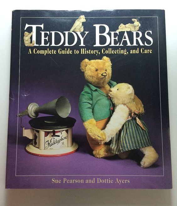 #TeddyBears A Complete Guide to History Collecting and Care  by Sue Pearson Dottie Ayers Published 1995 From Gund to #Steiff to Stuffed Cubs by SoaringHawkVintage on #Etsy #vintagebear #vintageteddybears