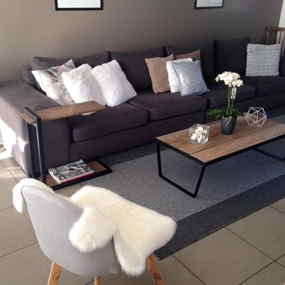 Mon home sweet home grand canap gris chaise de salon au for Salon gris taupe et blanc