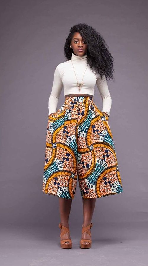 Si chic en pantacourt pagne...  #Wax #Africanfashion #Pantacourtpagne