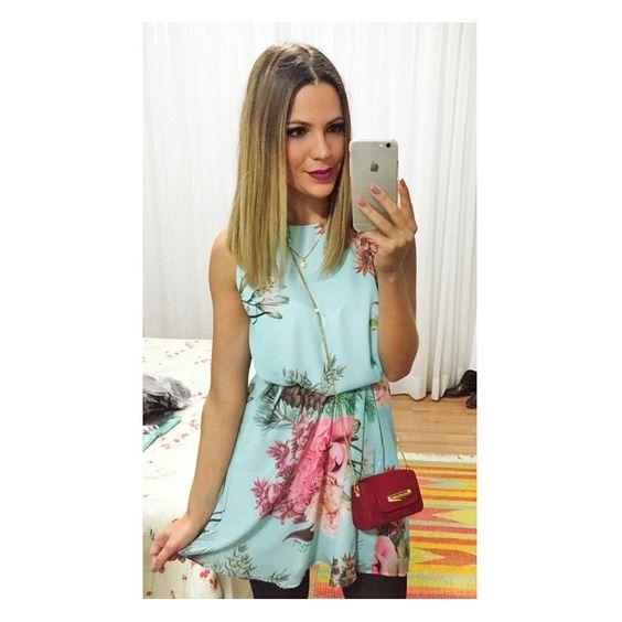 "Amanda Sasso on Instagram: ""Night, night!✨ {Apaixo. pelo dress do meu niver @lancaperfume}"""