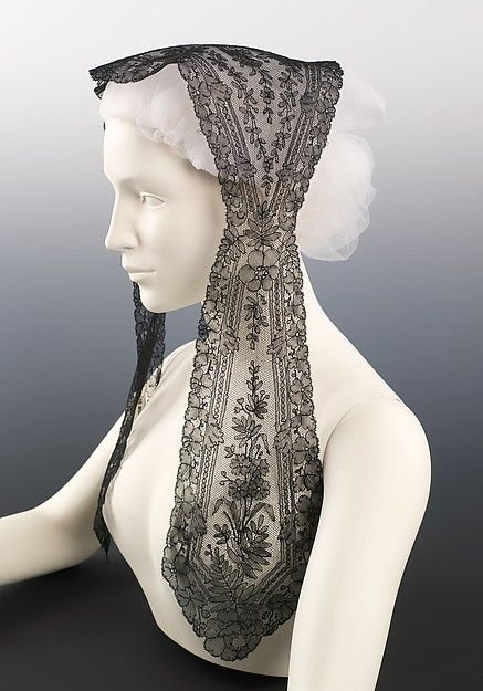 1860s chantilly lace day cap
