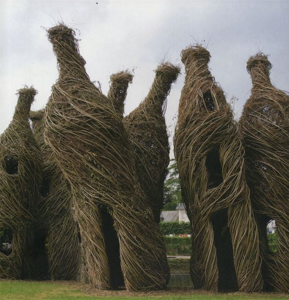 "Mesmerizing! Patrick Dougherty, ""Charles Crie"", Jardin des Arts, Chateauburg, France, 2008"