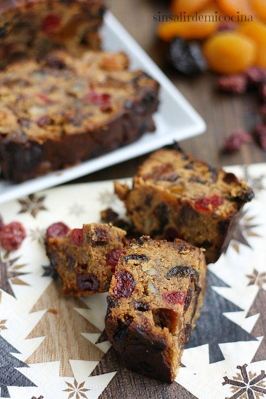 Christmas Cake de Jamie Oliver. Una receta tipica navideña con frutas y alcohol. Muy jugoso, húmedo, con mucho sabor. Muy recomendable. - Long recipe, see website. X: