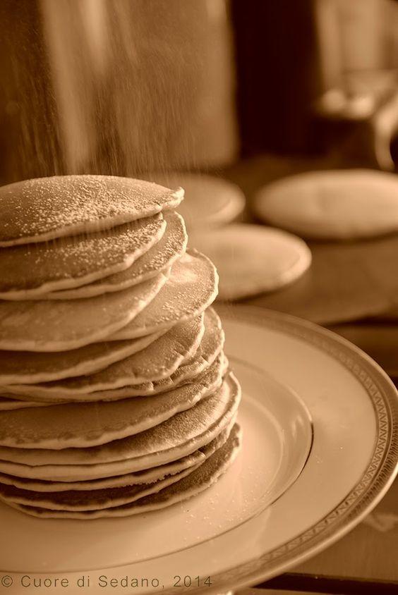 #Buttermilk #Pancakes - Pancakes al Latticello La #colazione #tradizionale preferita della #domenicamattina, in genere inizia con la preparazione semplice di #deliziose #frittelle...
