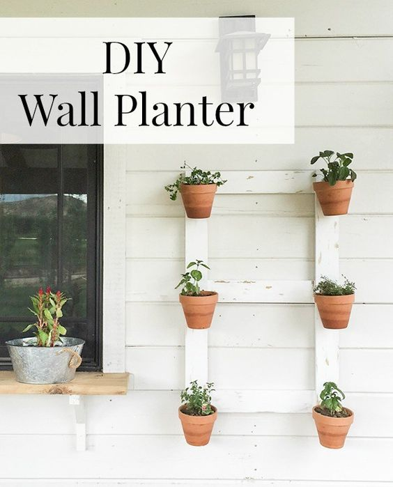 This DIY farmhouse style wall planter is so easy! You