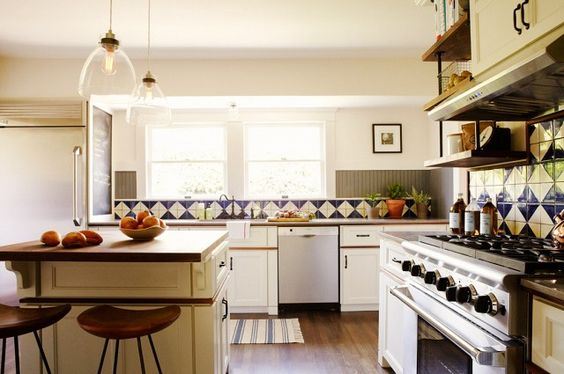 5 Beautiful Kitchens With Rustic Charm via @domainehome