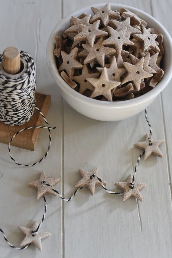 15 Do It Yourself Christmas crafts and decorations for the holiday season. Easy to make Christmas trees, cone  Christmas tree, DIY ornaments, DIY Christmas wreaths, Nordic and Scandinavian decor with Christmas garlands. Image from Rocky Hedgy Farm.