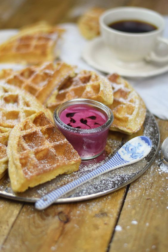 Buttermilchwaffeln - Waffles with buttermilk & Brombeer Joghurt Mousse - Berry Yogurt Mousse (8)