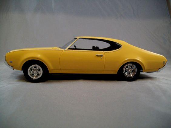 1969 Oldsmobile Cutlass model car