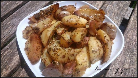 Patatas asadas con mantequilla y ajos