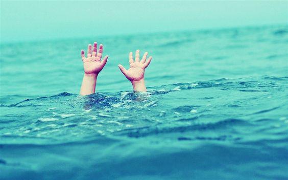 Çocuklarda Buzdan Kurtarma ve #Suda #Boğulma !  #Sağlık ♥ #Hastalık http://www.saglikhastalik.com/cocuklarda-buzdan-kurtarma-ve-suda-bogulma/