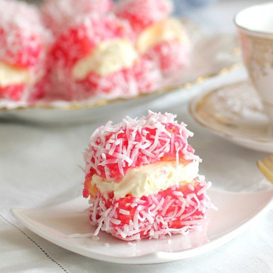 raspberry lamingtons | foodgawker