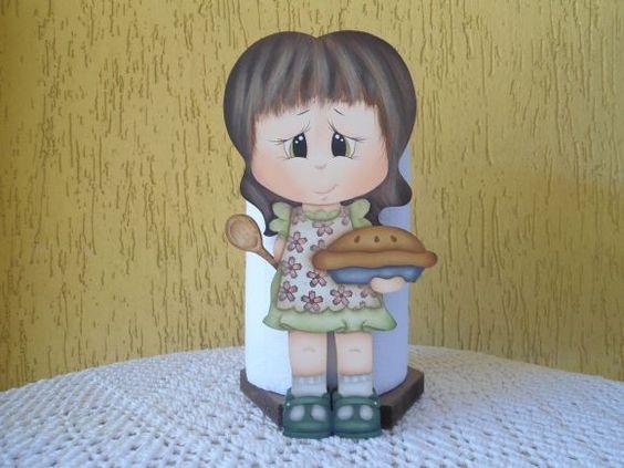 Porta rolo em MDF pintado ao estilo country. Motivo boneca cozinheira. Peça para decorar sua cozinha ou presentear aquela pessoa querida !! R$65,00