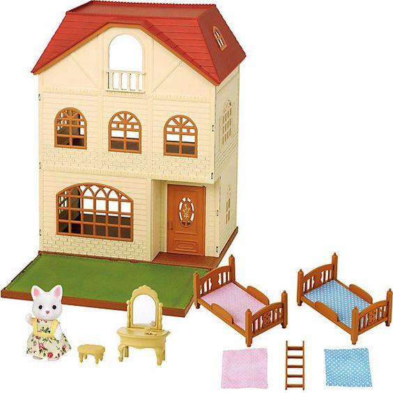 Das dreistöckige Haus ist genau das richtige für Familien, die viele Kinder oder immer Besuch von Freunden haben. Die oberen Etagen erreichen die Bewohner und Besucher über Sprossenleitern, die im Haus keinen Platz wegnehmen. Große Fenster lassen viel Licht in das Zuhause fallen und auf der Vorgartenfläche ist jede Menge Platz für einen Garten oder Klettergerüste für die Kinder.<br /> <br /> Dieses spezielle Geschenk-Set kommt mit tollem Zubehör als Sonderedition. Stockb...