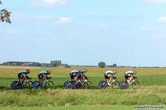 A nice photo of early starter, Topsport Vlaanderen - Mercator. They finished 25th + 3:56.35
