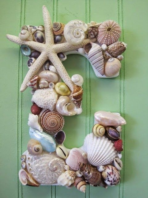 Summer is the ideal time to gather sea shells and barnacles. These materials that nature has generously given us , can be used to make incr...: