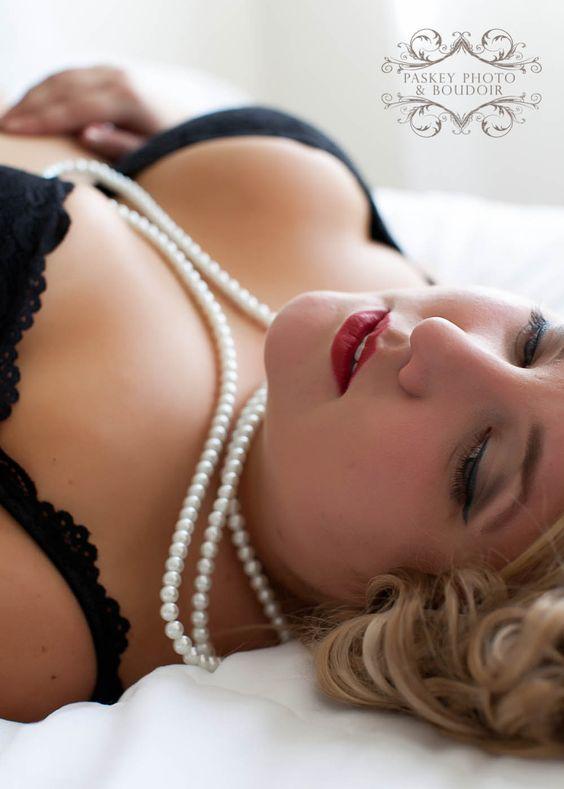 boudoir ideas for plus size Archives | Paskey Photo and Boudoir