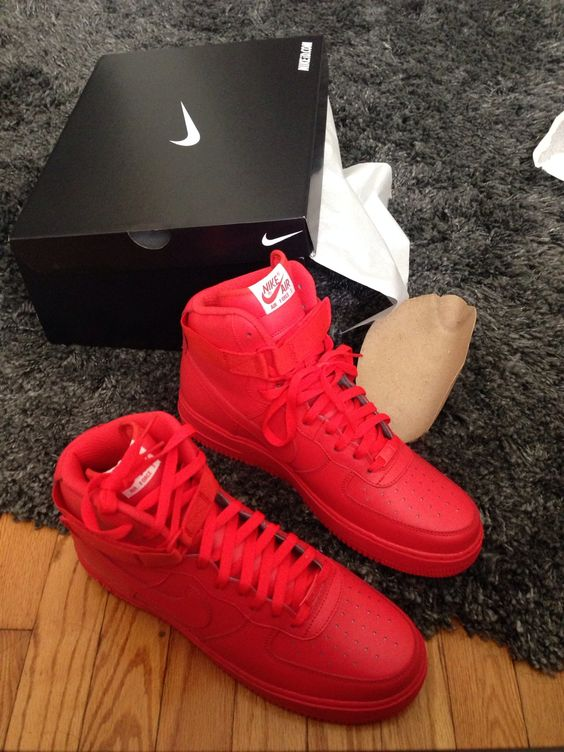nike air force in rot