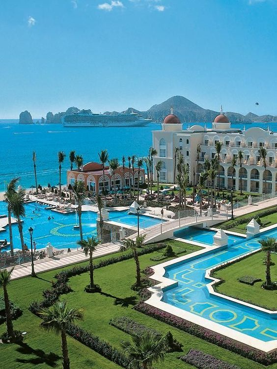 RIU Palace Cabo San Lucas Day Pass for cruise passengers to spend the day at their All Inclusive Resort while their cruise is in port. #CRUISE #EXCURSION #DAYPASS