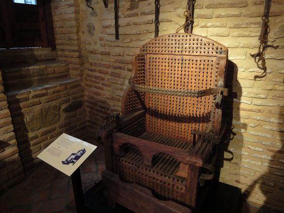 Instrumentos  de tortura reales 4b8c5042ac88a790bd3256744ab92a5e