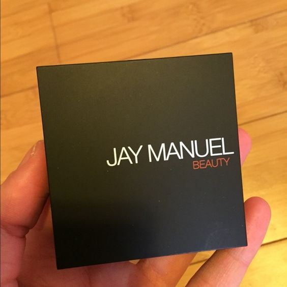 Brand new Jay Manuel blush with mirror and brush Item is brand new. Comes with. It is a compact. So cute for spring . JAY MANUEL Makeup Blush