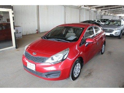 كيا ريو 2015 مستعملة للبيع بسعر 20 000 ريال في الرياض لون أحمر موتري السعودية Car Vehicles