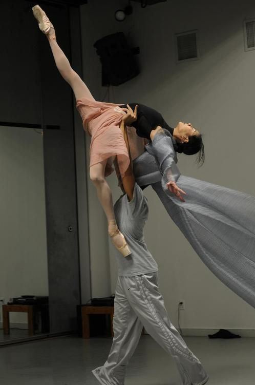 Yuan Yuan Tan and Clifton Brown in rehearsal for Among the Stars