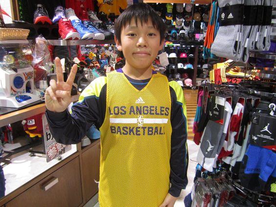 【大阪店】2014.12.25 バスケットをされているお客様!本日はリュックをゲットしていただきました(*^^*)バスケット、頑張ってくださいね☆