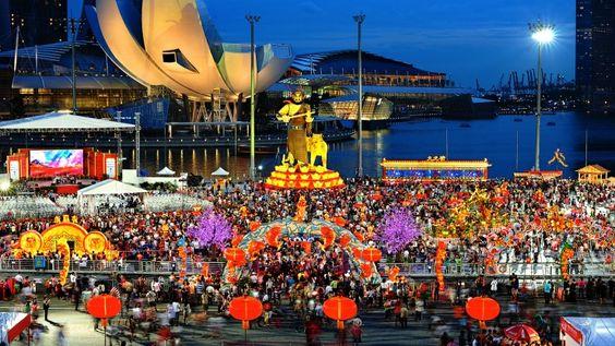 Lễ hội ở  Singapore diễn ra trong suốt những ngày đầu của Tết Nguyên Đán