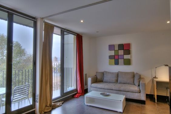 Stylish apartment for 4 close to the beach in Barcelona. http://www.apartmentbarcelona.com/en/apartment-poblenou-comfort/1802/details/eur