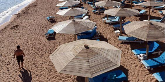 [NewPost]: Αίγυπτος: Τα τουριστικά θέρετρα μετατρέπονται σε πόλεις - φαντάσματα | http://www.multi-news.gr/newpost-egiptos-touristika-theretra-metatreponte-polis-fantasmata/?utm_source=PN&utm_medium=multi-news.gr&utm_campaign=Socializr-multi-news