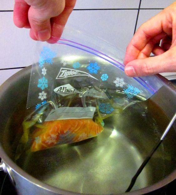 salmón vaciando    http://www.umami-madrid.com/2008/09/26/todo-lo-que-necesitas-saber-y-nunca-te-atreviste-a-preguntar-sobre-la-coccion-al-vacio/