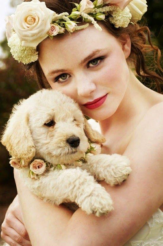 Novia con perrito. Adorable