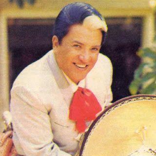 RINCON DE ESTRELLAS: MIGUEL ACEVES MEJIA POR RDE RADIO: www.laradioquet...