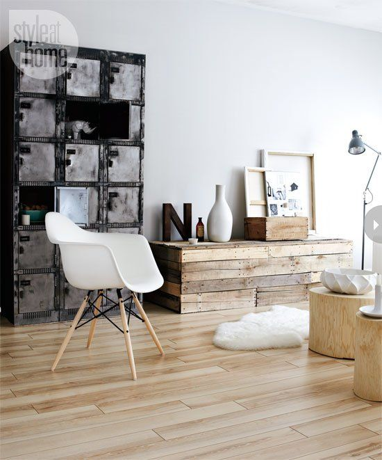 Lots of light wood with black and white.: Interior Design, Livingrooms, Reclaimed Wood, Living Rooms, Scandinavian Design, Home Decor, Interiordesign, House Idea