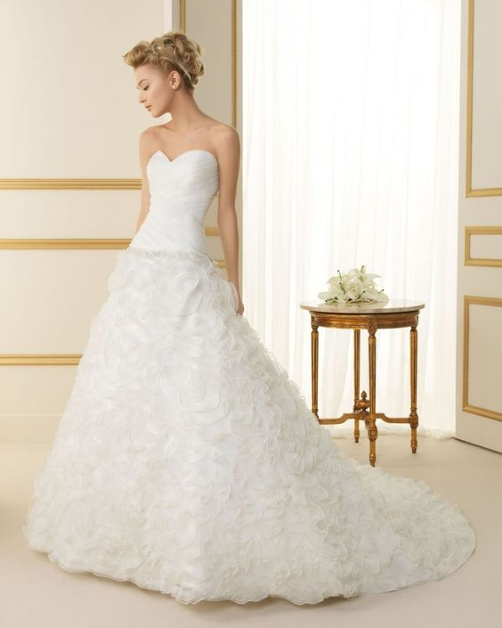 171 TOPACIO / Wedding Dresses / 2013 Collection / Luna Novias