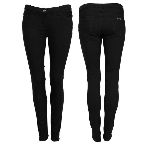 #whoswho #greenbird #marinamall #abudhabi #abudhabifashion #abudhabistyle #dubai #dubaifashion #dubaistyle #fashionista #womenswear #eveningwear #casualwear #fall2013 #winter2014 #jeans #pants #denim #blackdenim #blackjeans #skinnyjeans