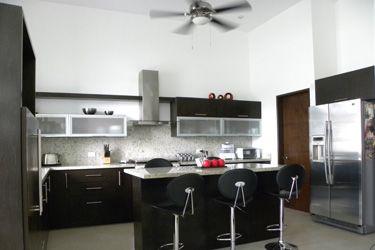Decoraci n minimalista y contempor nea funcional y bonita for Cocinas con desayunador