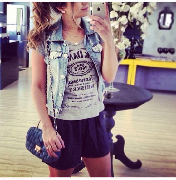Colete jeans + camiseta + short de tecido