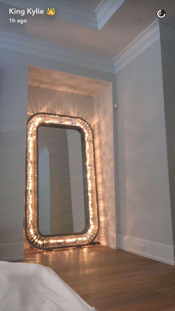 Pinterest the world s catalog of ideas for Mirrors for teenage rooms