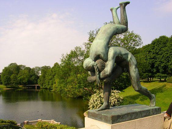 Вигеланд-парк,_одна_из_композиций.