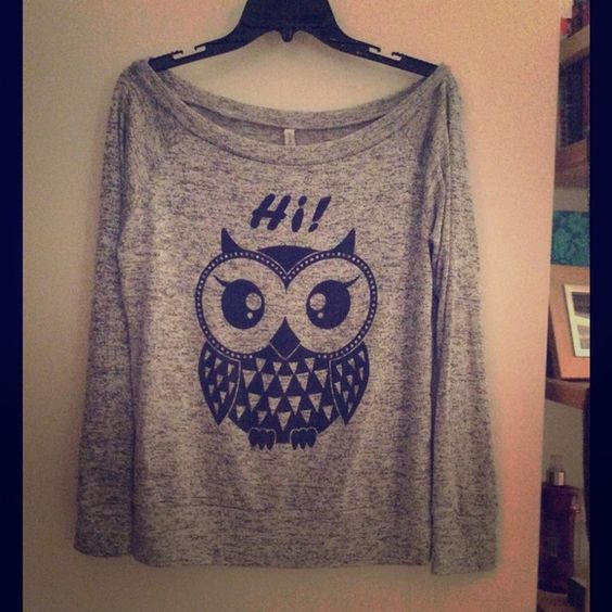 Cute owl sweater Lightweight. NWOT. Size Medium but can fit small to medium. Sweaters Crew & Scoop Necks