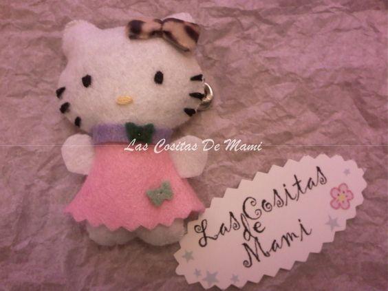 BROCHE HELLO KITTY  Mis pequeñas creaciones, regalos, detalles para bautizos y ceremonias, regalos personalizados y creaciones en fieltro y tela