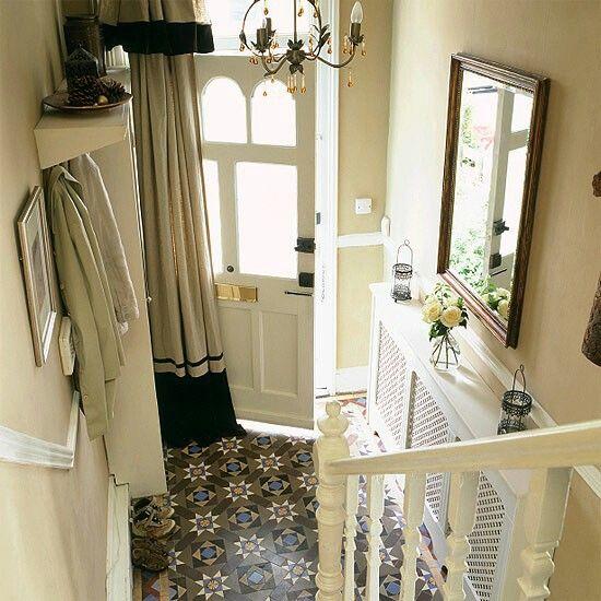 Victorian terrace hall - floor tile