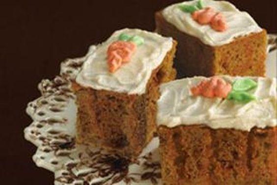 Moelleux et légèrement épicé, ce gâteau vous vaudra beaucoup de compliments !