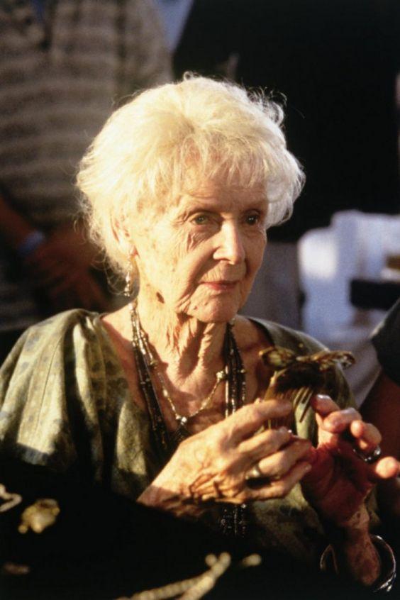 """Así lucía en su juventud la actriz que encarnó a la """"Rose anciana"""" en Titanic…"""