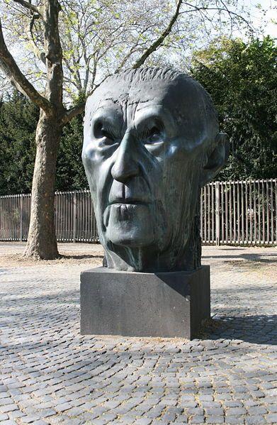 Skulptur vom Kopf von Konrad Adenauer in #Bonn