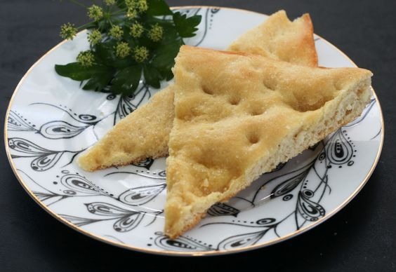 Schiacciata all'Olio: an easy, olive oil based yeast bread that's similar to focaccia