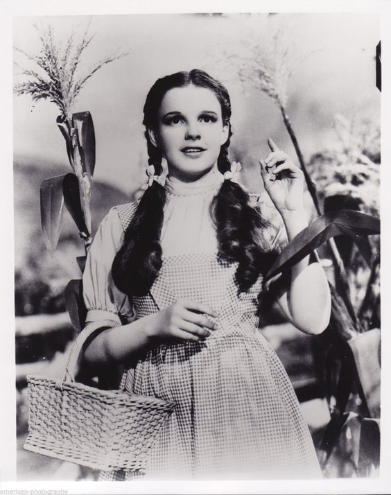 The WIZARD OF OZ - Judy Garland * Metro-Goldwyn-Mayer Studio * L. Frank Baum